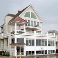 McGuirk's Ocean View Hotel & Cottages