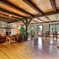 Spacious Rustic Country House