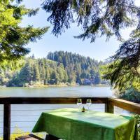 Rustic Retreat on Mercer Lake