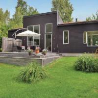 Three-Bedroom Holiday Home in Farjestaden