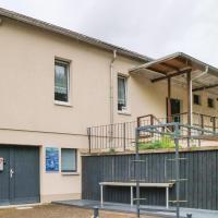 Seven-Bedroom Apartment in Unterwellenborn
