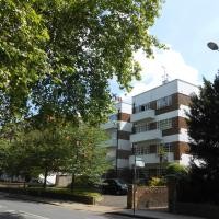 2 Bed Apartment in Viceroy Lodge Central Surbiton