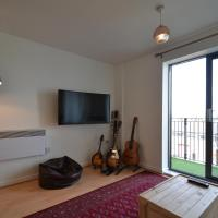 Modern 2BR Flat next to Olympic Stadium!