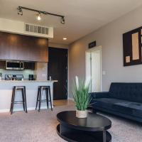 Chic 2BR Downtown Santa Monica