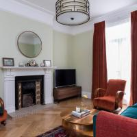 5BR Family Home in Leafy SW London