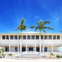 Mahogany Bay Resort and Beach Club, Curio Collection