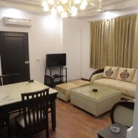 Independent Ground Floor Apt-3 BR & Family Lounge