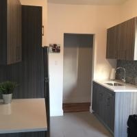 Bright & Cozy 3 Br Apartment