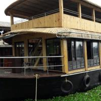 Green Heaven House Boat 4