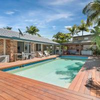 Perfect 5 Bedroom Home with Pool, Bar and BBQ!