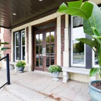 Boutique Loft & Suites - Country Club Plaza