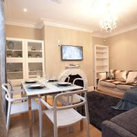 Two Bedroom Luxury Apartment by Town Hall