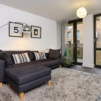 Modern luxury flat sleeps 6 East London