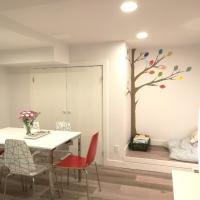 2BDR Colourful-tree Suite