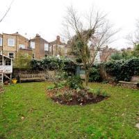 Veeve - Brackenbury Gardens