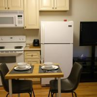 Beautiful 1BR Unit Close to the Subway and Mall!