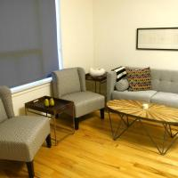 Great 1BR Apt. Near Mall With Parking!