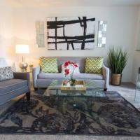 Apartment | King Bed | Apple TV | WiFi | Pool & Spa | Parking