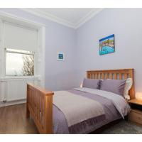 Spacious 2-BR Flat for 4 in Morningside