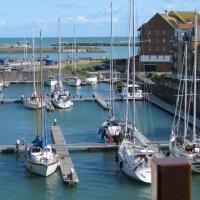 Luxurious, sea-facing, harbour apartment
