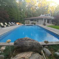 Villa Nakara - Awesome all season villa decorated, centrally located, and filled with amenities
