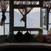 Live Away Home 1 - Darjeeling