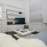 2 Bedroom Flat Accommodates 6 in Canonbury