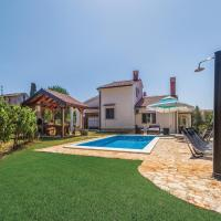 Four-Bedroom Holiday Home in Vabriga
