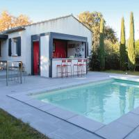 Three-Bedroom Holiday Home in Velleron