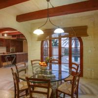 Il-Palma Holiday Farmhouse with Sunny Private Pool in Island of Gozo