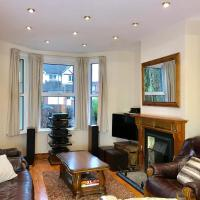 Luxurious very spacious one bedroom flat