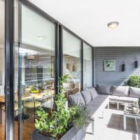 Lachlan · Sunny Air Conditioned Sydney 2 Bedroom Apt