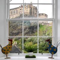 We LOVE Stunning Edinburgh Castle Views in luxury!