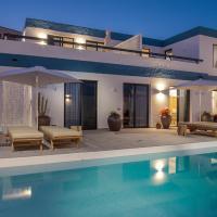 Luxury with sea views and heated pool I
