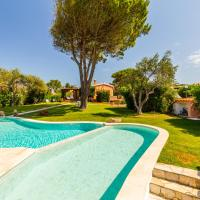 Villa con piscina immersa in un meraviglioso giardino - Wonderful Villa with pool and spacious garden