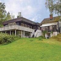 Six-Bedroom Holiday Home in Linneryd