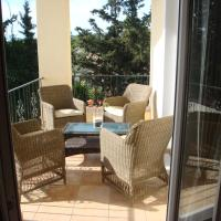 Countryside flat next to airport/Rafina port