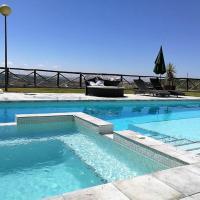 Large Villa, pool, jacuzzi, wifi, views, A / C