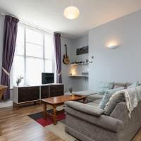 Modern Spacious Flat Near Lark Lane