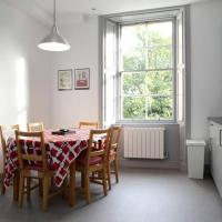 City Centre Modernised Victorian Flat 20 Minutes to Royal Mile