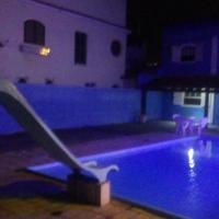 casa com piscina a 5 minutos a pé da Praia do Forte