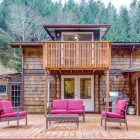 Peaceful Creekside Cabin