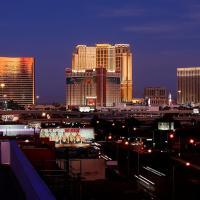 Luxury 1BR Suite w/Pool&Strip Views