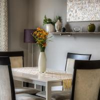 Modern, Professionally furnished home - B&B