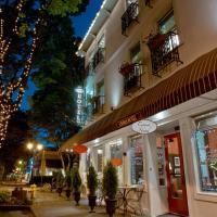 Camas Hotel