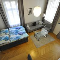 Golden Prague Apartment