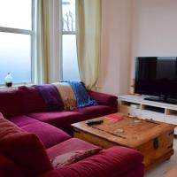 1 Bedroom Flat in Stamford Hill Accommodates 4