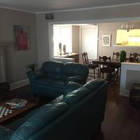Spacious 3BR Forest Hill Unit-With Parking