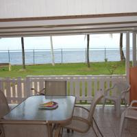 Great beachfront villa 3br/2 baths next Embassy Suites 1 to 6 pp