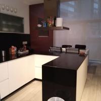 Apartamento Modernista con Garaje